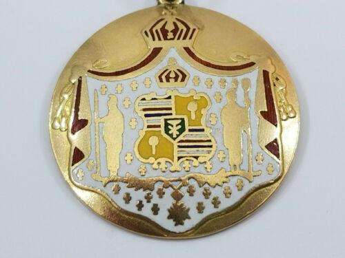 Vintage 14K Gold HAWAII ROYAL COAT OF ARMS Charm Pendant Hawaiin Kingdom