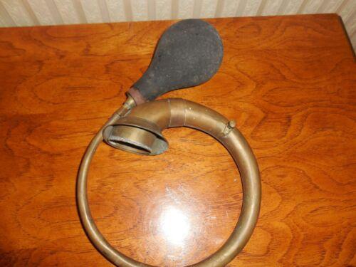 Antique Brass  Horn w/ Bulb ALL  ORIGINAL