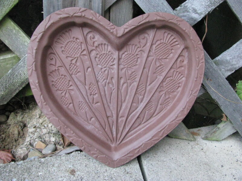 HARTSTONE POTTERY LARGE VTG THISTLE HEART BROWN SHORTBREAD COOKIE MOLD