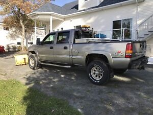 2002 GMC Sierra 2500 6.0L Trade for boat or sell