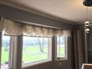 WHITE VALENCE FOR BAY WINDOW