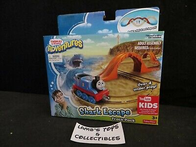 Fisher-Price Thomas & Friends Adventures Shark Escape track pack railroad play