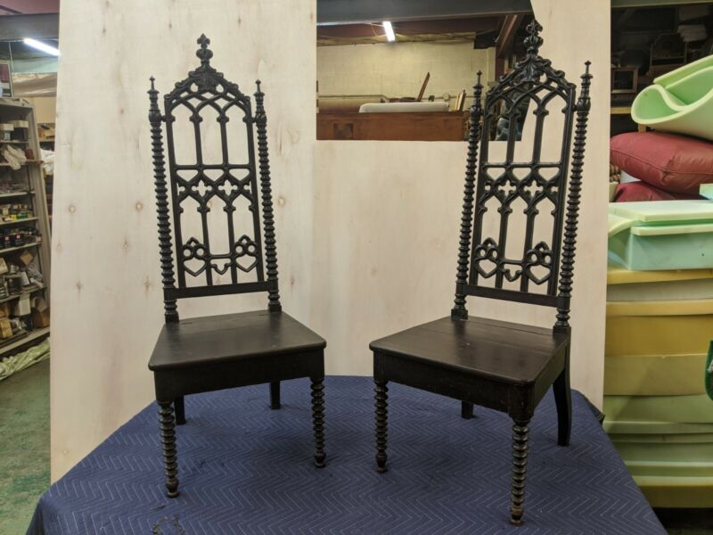 Beautiful Pair of Gothic Revival Hall Chairs 19th Century Grain painted