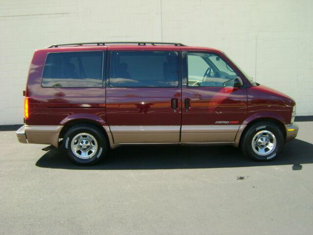 Imagen 1 de Chevrolet Astro burgundy