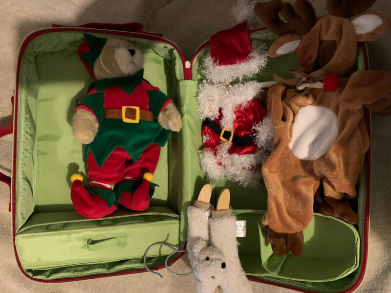 """Quacker Factory Cubby Claus Traveling Case 11"""" Bear W/ 3 Outfits - discontinued"""