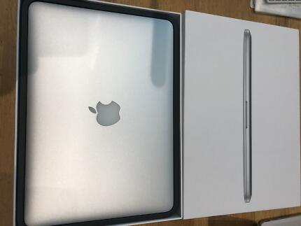 "Macbook Pro 13"" Retina - late 2013 model - in excellent condition"