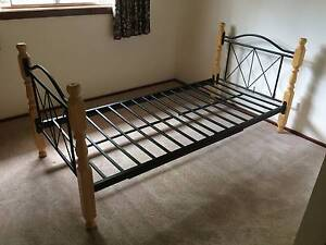 Single bed frame Belconnen Belconnen Area Preview