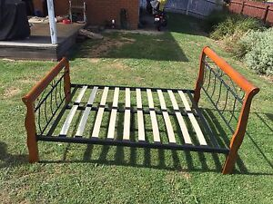 Double bed frame Berwick Casey Area Preview