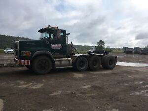 1996 Ford l9000 triaxle tractor