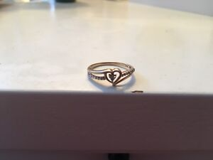 10 KT yellow gold ring