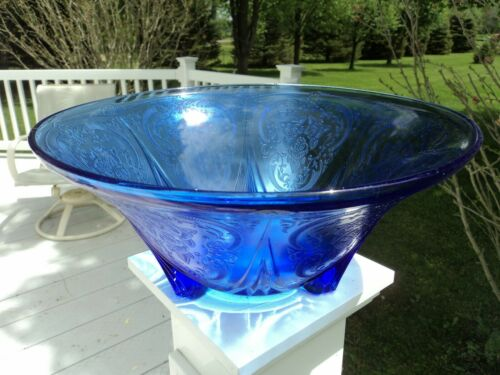HAZEL - ATLAS COBALT BLUE ROYAL LACE 3-LEGGED STRAIGH EDGE BOWL