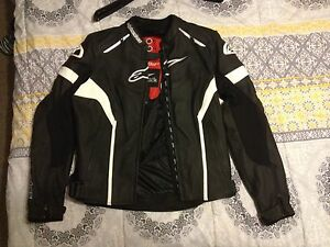 Alpinestars Stella ladies leather motorcycle in new condition