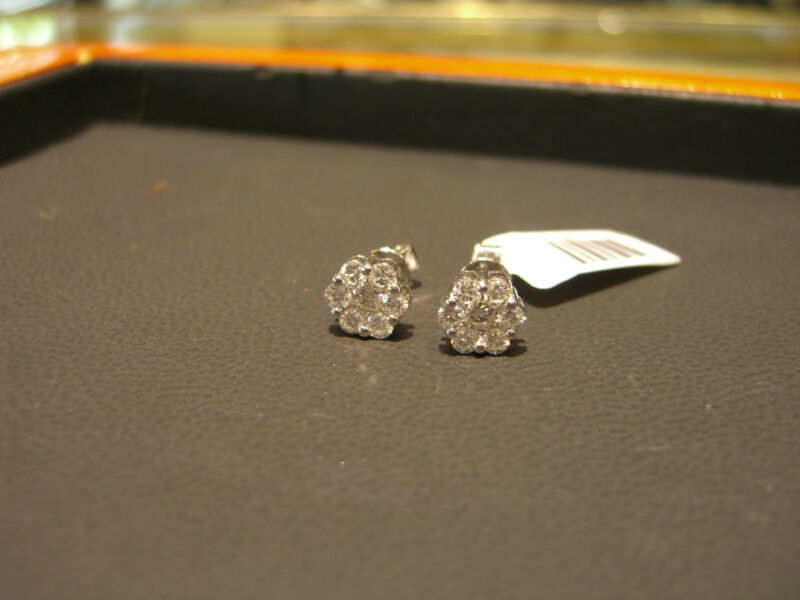 Fine Diamond Stud Cluster Earrings 1.00 Carat Total 18 Karat White Goldnew Wow