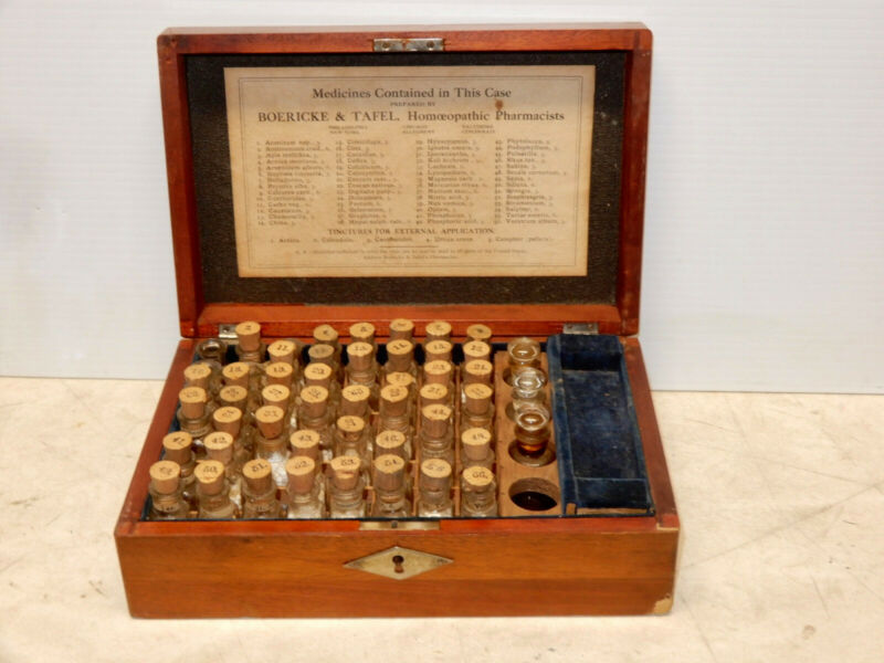 ANTIQUE BOERICKE AND TAFEL HOMEOPATHIC MEDICINE BOXED KIT
