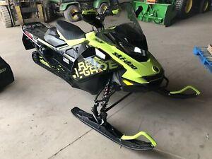 2017 Ski-Doo Renegade® X® 850 E-TEC®