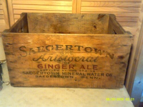 VINTAGE WOOD ADVERTISING CRATE SAEGERTOWN THE ARISTOCRAT OF GINGER ALE PA