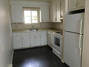 Robie St.   flat laminate flooring ,4 appliances- oct 1