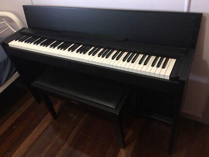 Digital Piano - Casio Privia