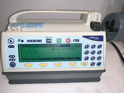 Medfusion 4000 Syringe Infusion Pump. Includes Power Cord Pole Clamp