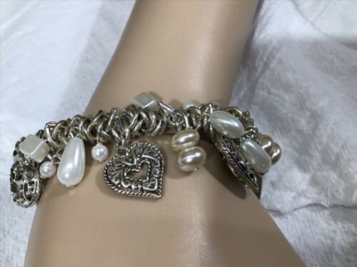 Coldwater Creek Charm Stretch Bracelet Silver Tone Hearts, White & Beige Beads