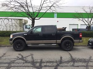 2004 Ford F-150 lariat Crew Cab 4x4 with 153,000 km