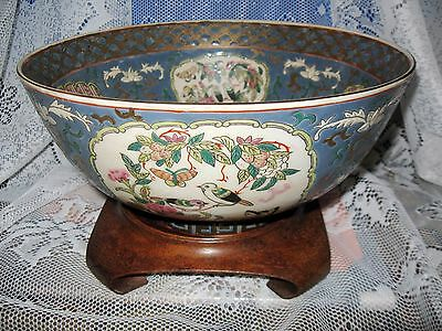 ORIENTAL PORCELAIN BOWL & Wooden Base - Hand Painted