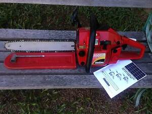 Chainsaw Shindaiwa 300S Professional - Excellent. Brinsmead Cairns City Preview