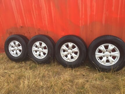 Triton 2013 4x4 Rims, Tyres and full set wheel nuts.
