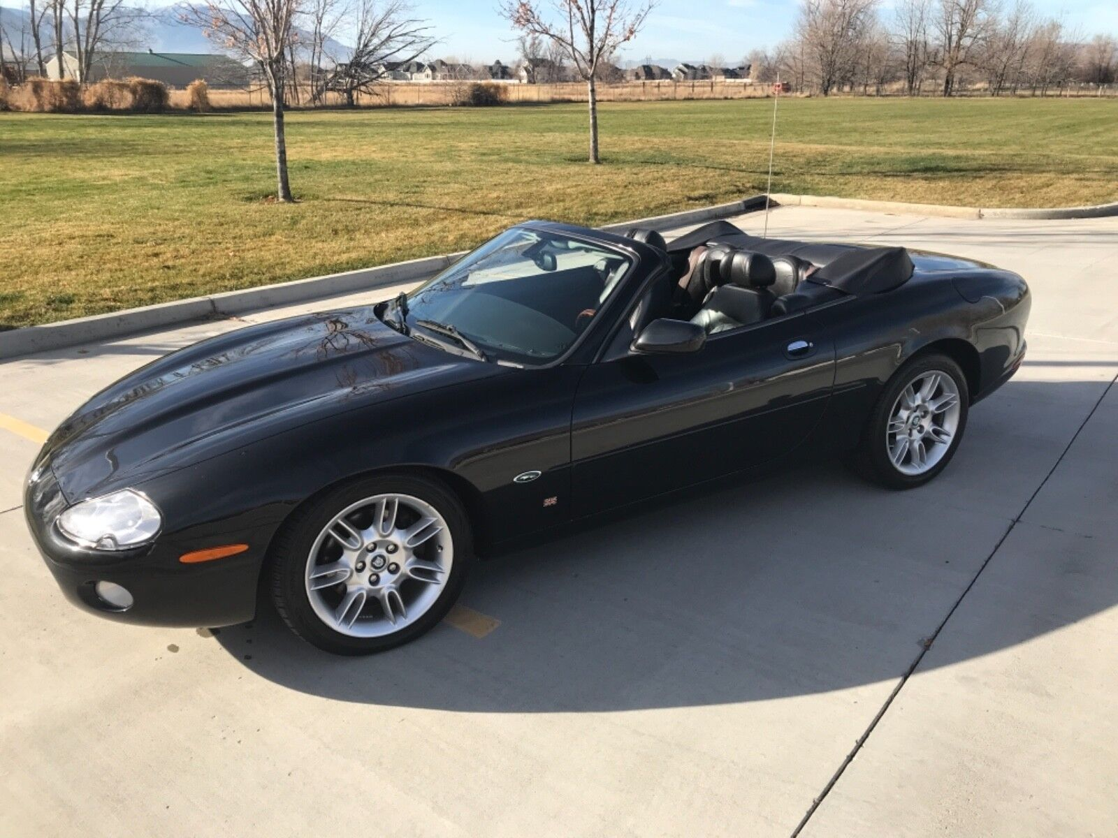 2001 Jaguar XK8 Convertible 2001 Jaguar XK8, LOW miles, Rare, triple Black Convertible. Excellent!