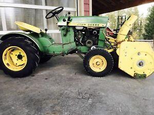 John Deere 110 tractor snowblower