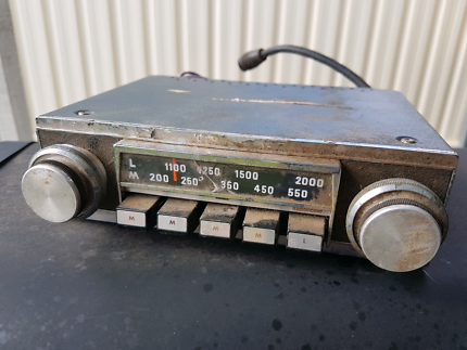 Oldskool AM Car Radio. Suit Vauxhall, Holden, Ford, Chev, etc.