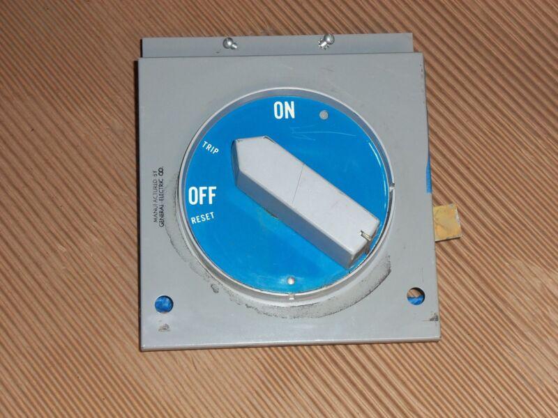 GENERAL ELECTRIC GE TKH MAIN BREAKER FEEDER 1200 AMP MCC MCCB BUCKET HANDLE