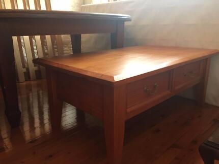 Coffee Table Light Coloured Wood - Very good condition