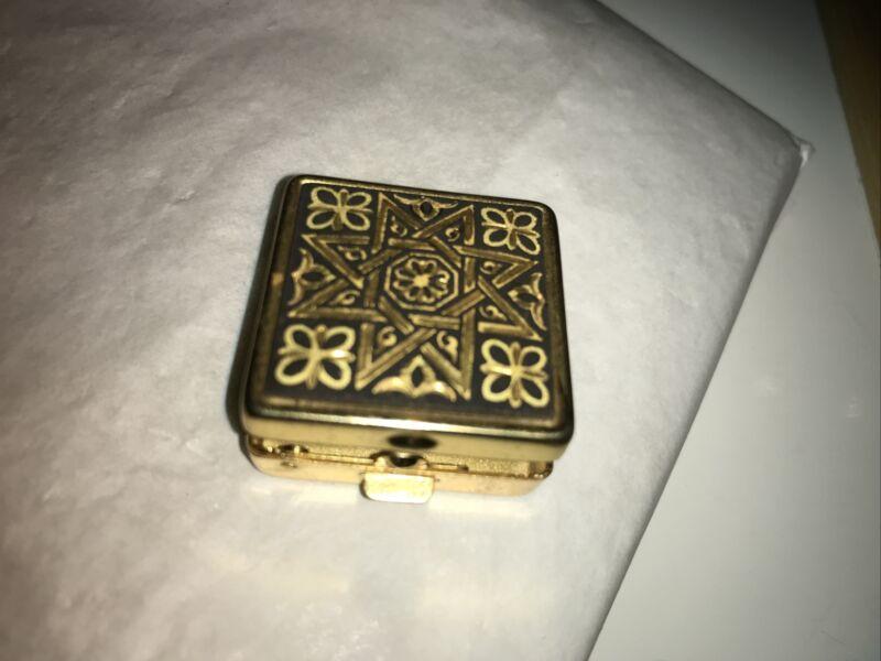 Pre- Owned Gold Tone Metal Mini Trinket Box/ Pill / Star Of David