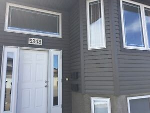 Room Mate WANTED in Harbour Landing