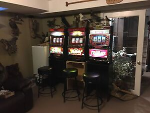 SLOT MACHINES 350 EA