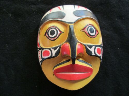 """CLASSIC NORTHWEST COAST DESIGN, """"YELLOW HAWK"""" CARVED WOODEN MASK,  WY-0221*04625"""