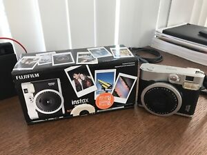 Fujifilm Instax Mini90 - Almost New