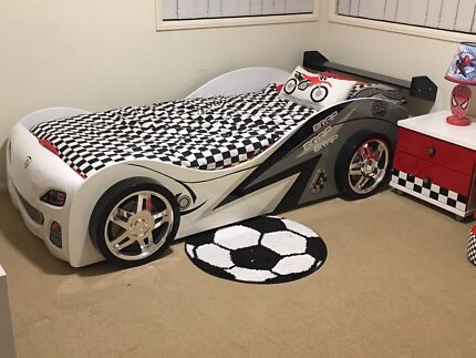 Boys Bedroom Suite / Package - AS NEW (8 pieces)
