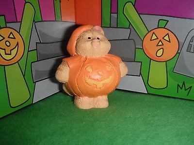 Hallmark Merry Miniatures Halloween Cat in Pumpkin Costume 4 Loving Family Dolls