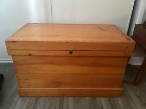 URGENT-Beautiful Wood Chest-Excellent Condition!