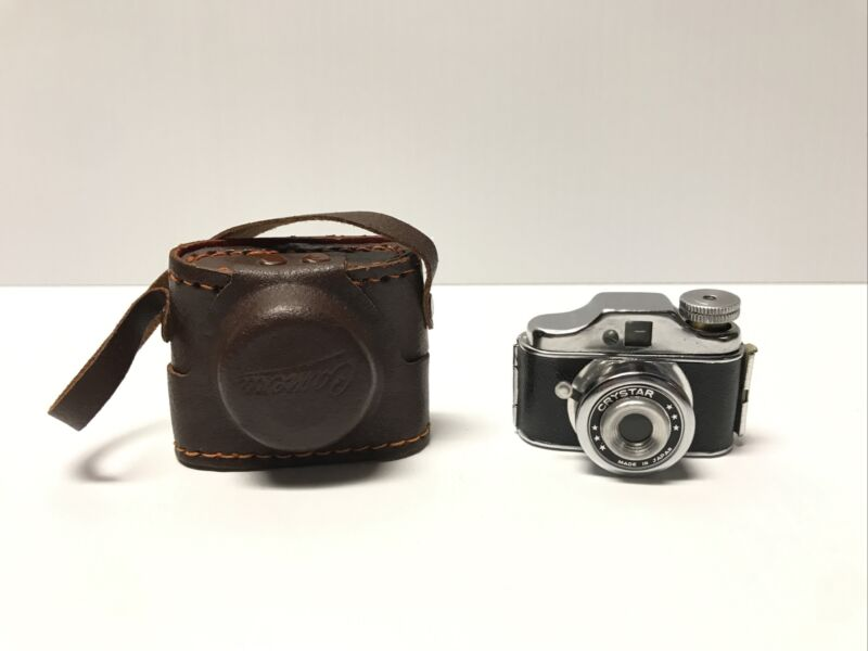 Vintage Crystar Mini Spy Camera Made in Japan w Leather Case Miniature