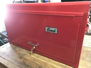 Coffre avec outils  /Tool Chest with tools