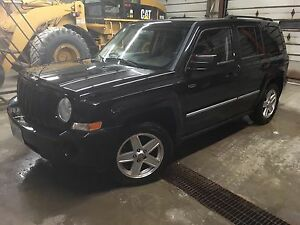 2010 Jeep Patriot North 4x4 fully loaded
