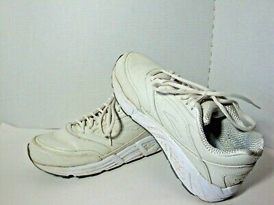 Brooks Addiction Walker size 9.5 mens white leather Very Good Used Condition