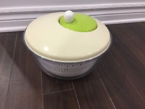 Salad lettuce rinse draining bowl (Like New, only used once)