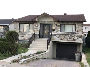 Large 3+1 bdr,garage, appliances incl, avail.immediately