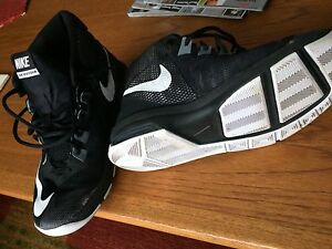 Nike Air Devosion Basketball Shoes
