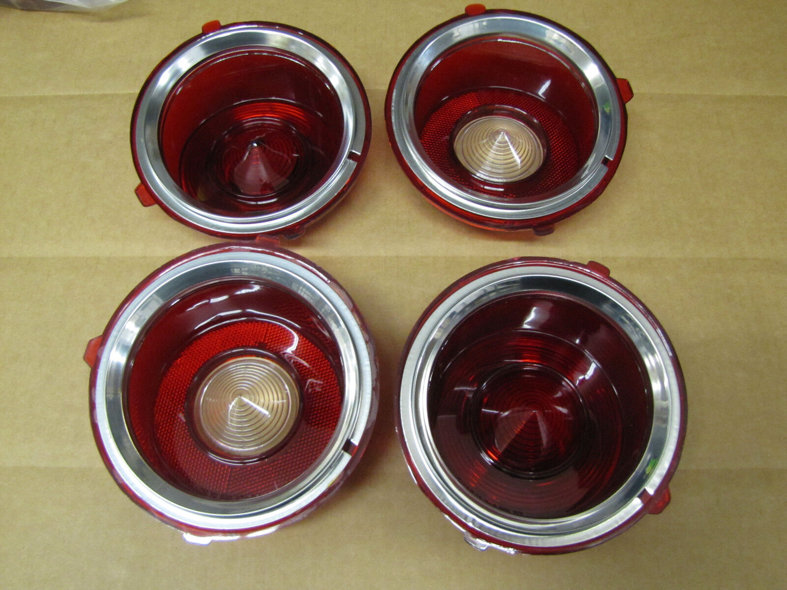 70-71 EARLY CAMARO TAILLIGHT AND BACK UP REVERSE LIGHT LENS SET, STANDARD MODELS