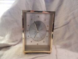Vintage Bulova Battery Operate Carriage Desk Clock 6 3/4
